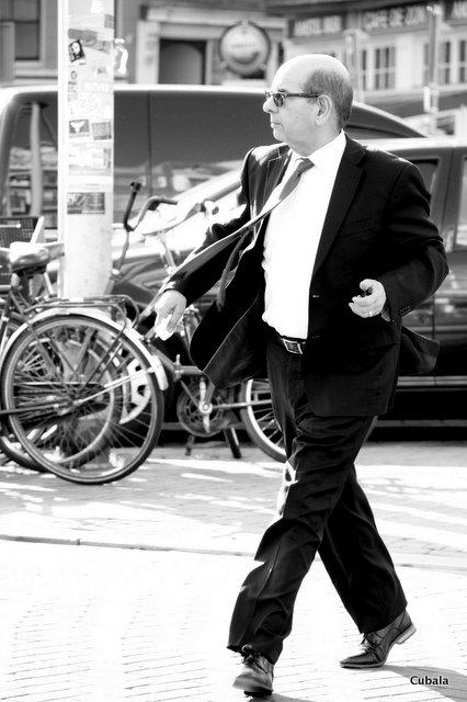 et d'un coup il transforme la rue en dancefloor :D